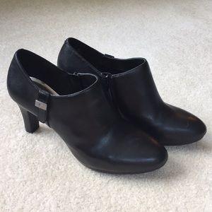 Black booties Anne Klein